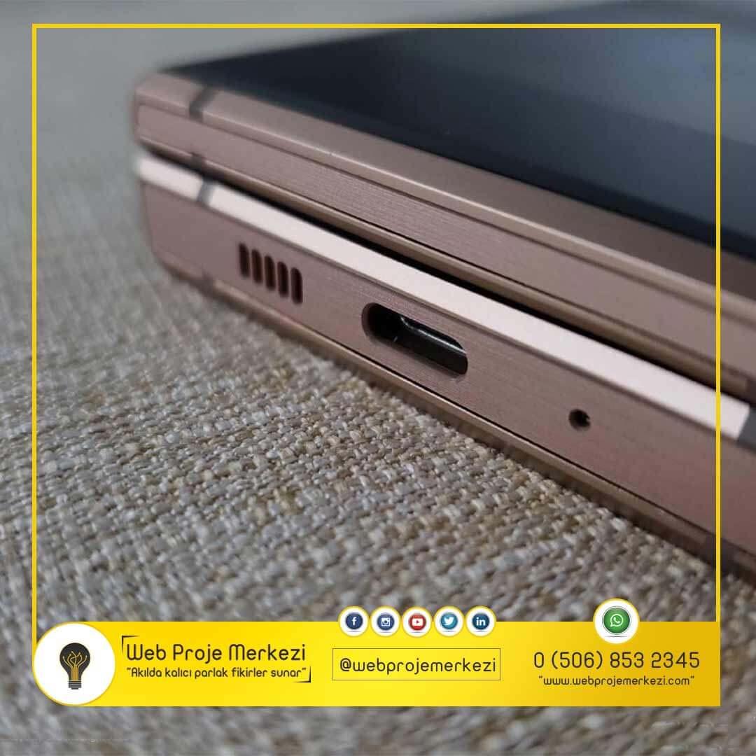- Samsung W2019 - Samsung'un Yeni Tasarımı Galaxy W2019